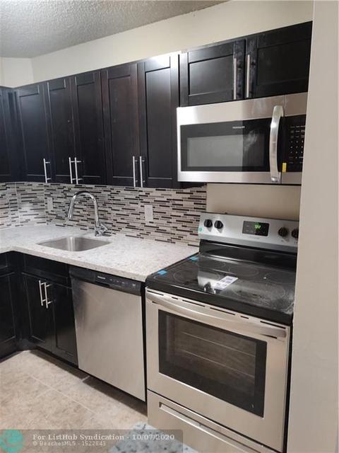 2 Bedrooms, Jacaranda West Rental in Miami, FL for $1,525 - Photo 1
