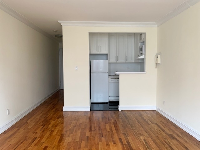 Studio, Yorkville Rental in NYC for $1,495 - Photo 2
