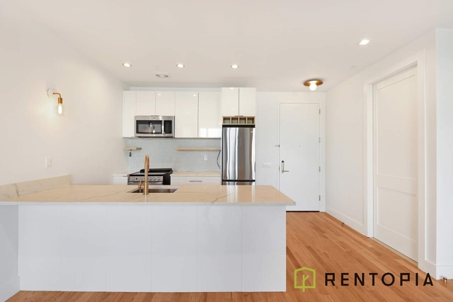1 Bedroom, Greenpoint Rental in NYC for $2,786 - Photo 1