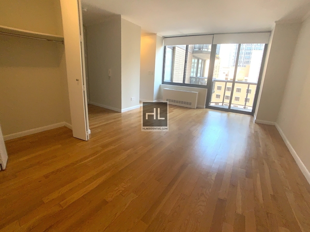 Studio, Theater District Rental in NYC for $3,054 - Photo 2