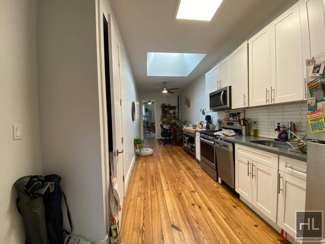 1 Bedroom, Williamsburg Rental in NYC for $3,175 - Photo 2