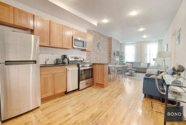 3 Bedrooms, Garment District Rental in NYC for $2,495 - Photo 1