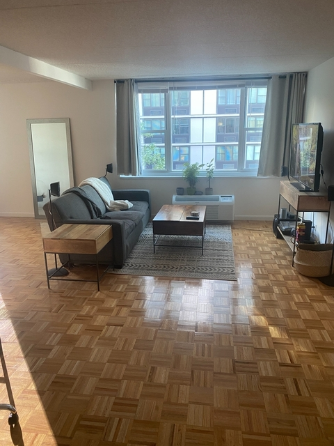 Studio, Battery Park City Rental in NYC for $2,480 - Photo 1