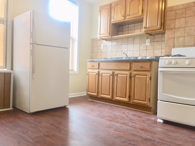2 Bedrooms, Ridgewood Rental in NYC for $1,999 - Photo 2