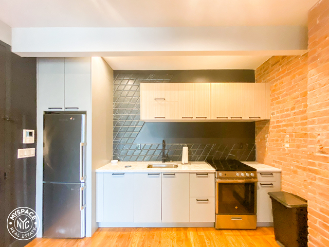 2 Bedrooms, Williamsburg Rental in NYC for $2,844 - Photo 1