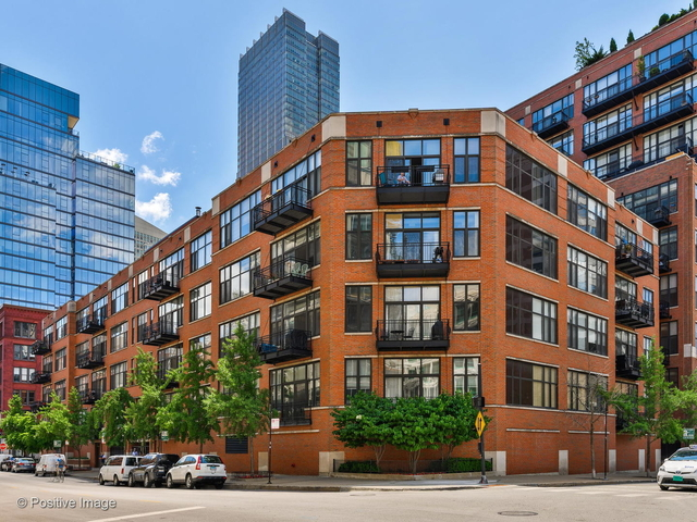 2 Bedrooms, River North Rental in Chicago, IL for $2,550 - Photo 1