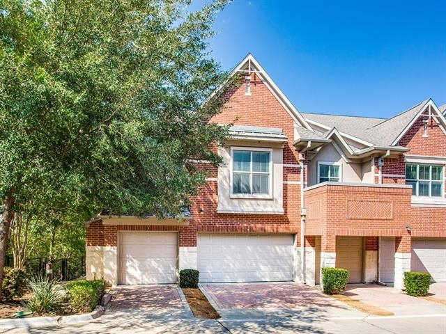 2 Bedrooms, Fort Worth Rental in Dallas for $2,499 - Photo 1