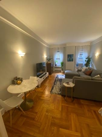 2 Bedrooms, Yorkville Rental in NYC for $3,495 - Photo 2