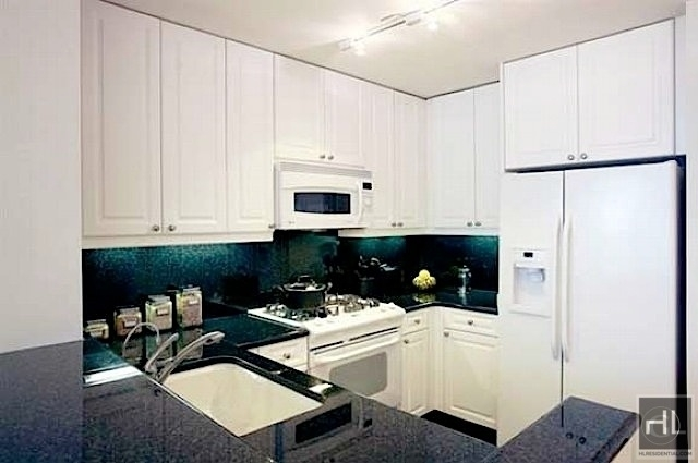 1 Bedroom, Tribeca Rental in NYC for $3,696 - Photo 2