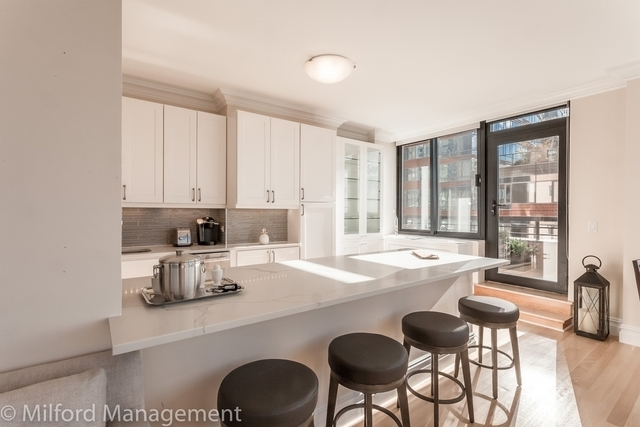 2 Bedrooms, Battery Park City Rental in NYC for $8,299 - Photo 2