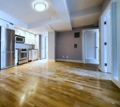 3 Bedrooms, Turtle Bay Rental in NYC for $3,900 - Photo 1