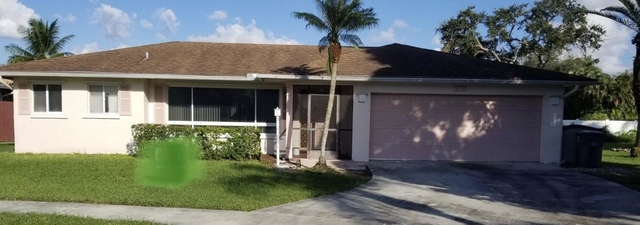3 Bedrooms, Holiday City at Boca Raton Rental in Miami, FL for $2,650 - Photo 1