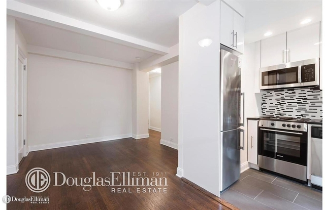 Studio, Hell's Kitchen Rental in NYC for $1,667 - Photo 1