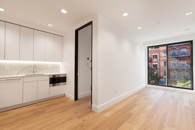 3 Bedrooms, Alphabet City Rental in NYC for $5,583 - Photo 1