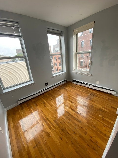 2 Bedrooms, East Williamsburg Rental in NYC for $1,999 - Photo 2