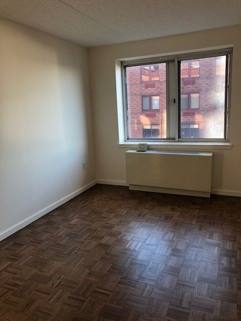 2 Bedrooms, Battery Park City Rental in NYC for $4,365 - Photo 2
