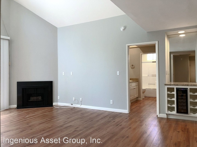 1 Bedroom, West Hollywood Rental in Los Angeles, CA for $2,995 - Photo 2