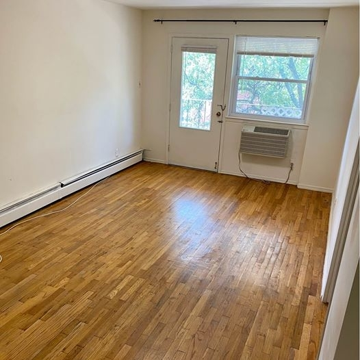 3 Bedrooms, Woodside Rental in NYC for $3,300 - Photo 1
