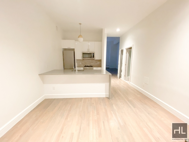 2 Bedrooms, Financial District Rental in NYC for $4,320 - Photo 2