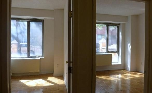 3 Bedrooms, Hell's Kitchen Rental in NYC for $4,200 - Photo 2