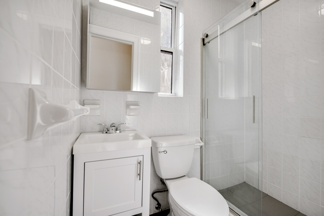 2 Bedrooms, South Slope Rental in NYC for $3,100 - Photo 2