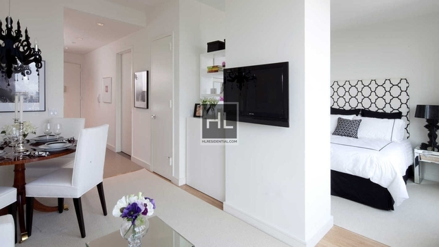 1 Bedroom, Chelsea Rental in NYC for $5,242 - Photo 2