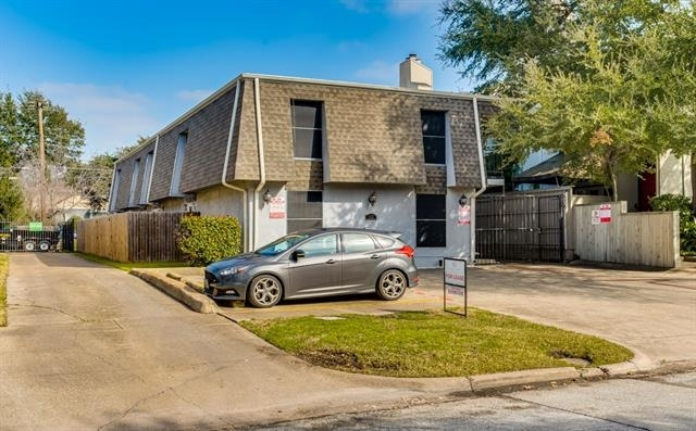 1 Bedroom, North Oaklawn Rental in Dallas for $1,050 - Photo 1