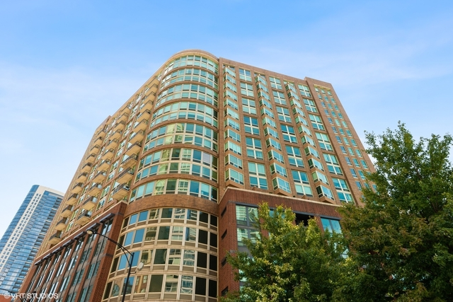 2 Bedrooms, River North Rental in Chicago, IL for $2,600 - Photo 1
