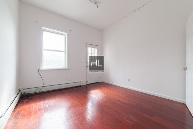 2 Bedrooms, East Williamsburg Rental in NYC for $2,704 - Photo 2