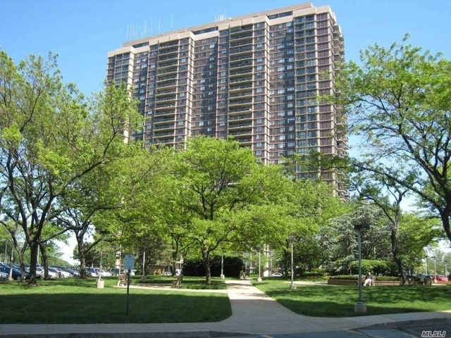 1 Bedroom, North Shore Towers and Country Club Rental in Long Island, NY for $2,900 - Photo 1