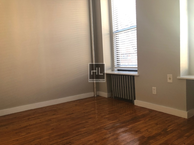 3 Bedrooms, East Village Rental in NYC for $2,520 - Photo 1