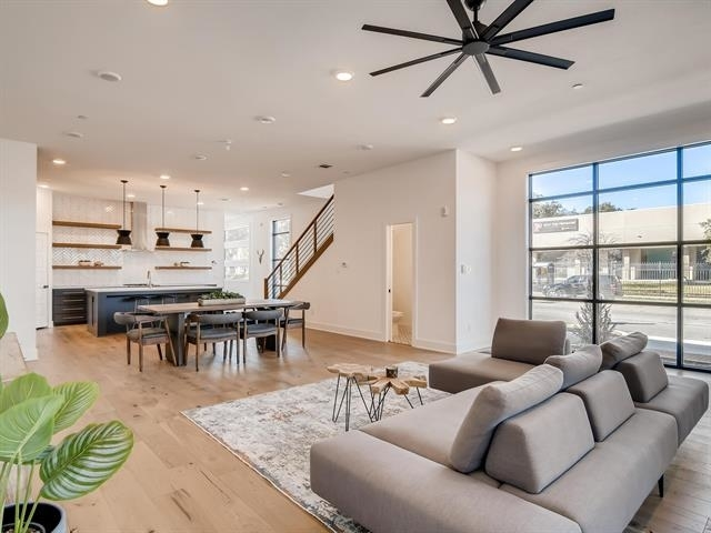 2 Bedrooms, Peak's Addition Rental in Dallas for $3,300 - Photo 1