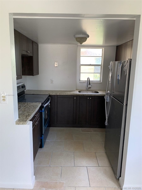 2 Bedrooms, Playland Village Rental in Miami, FL for $1,300 - Photo 1