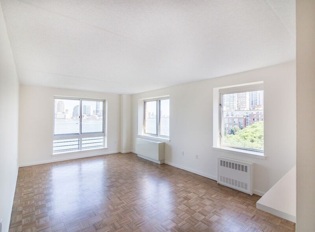 2 Bedrooms, Battery Park City Rental in NYC for $4,243 - Photo 2