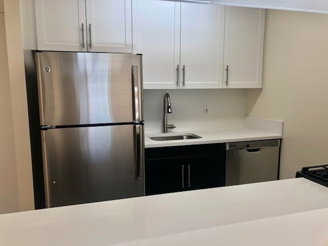 1 Bedroom, Battery Park City Rental in NYC for $2,500 - Photo 2