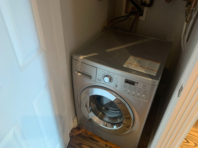 3 Bedrooms, East Village Rental in NYC for $3,995 - Photo 2