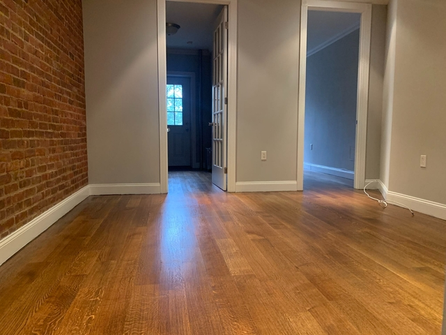4 Bedrooms, Hell's Kitchen Rental in NYC for $3,163 - Photo 1