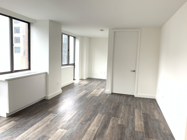 Studio, Hell's Kitchen Rental in NYC for $2,245 - Photo 2