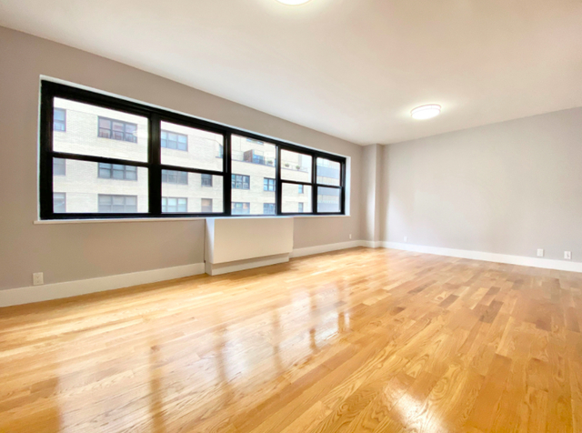 1 Bedroom, Turtle Bay Rental in NYC for $3,246 - Photo 2