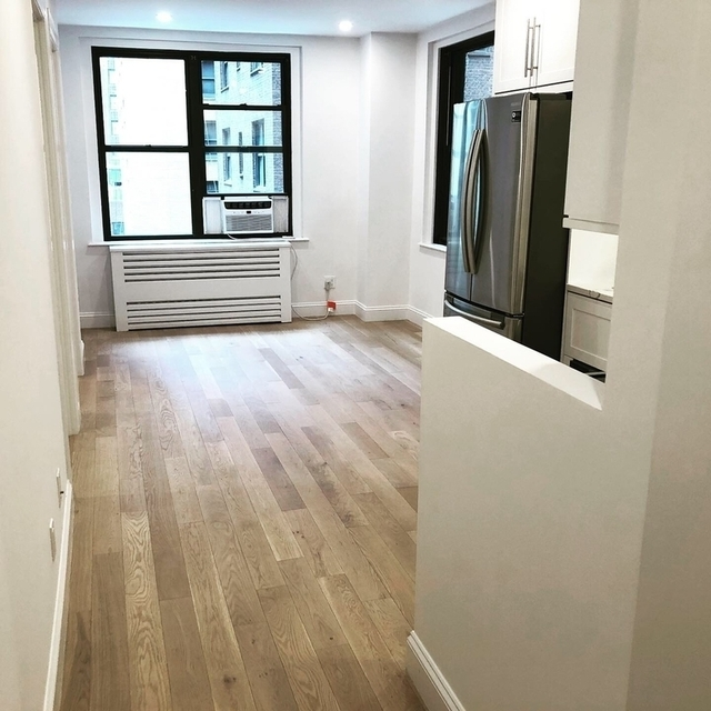 2 Bedrooms, Turtle Bay Rental in NYC for $3,555 - Photo 1