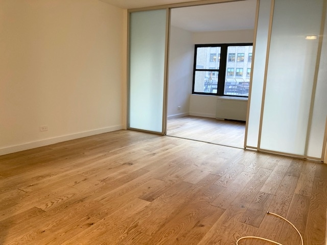 2 Bedrooms, Turtle Bay Rental in NYC for $2,660 - Photo 2