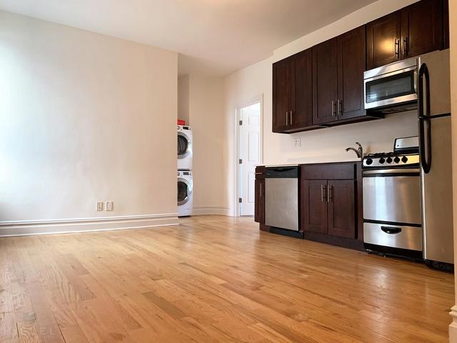 2 Bedrooms, Astoria Rental in NYC for $2,206 - Photo 1