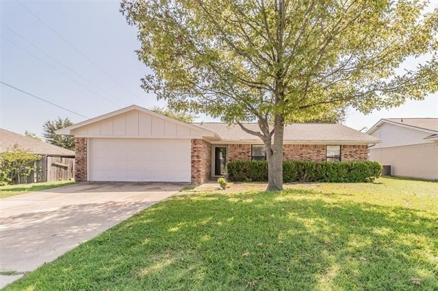 3 Bedrooms, Weatherford Southeast Rental in Dallas for $1,695 - Photo 1