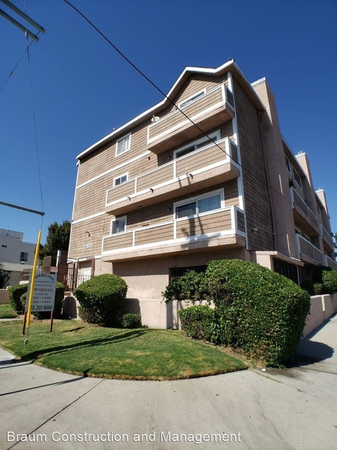 2 Bedrooms, Valley Village Rental in Los Angeles, CA for $2,095 - Photo 1
