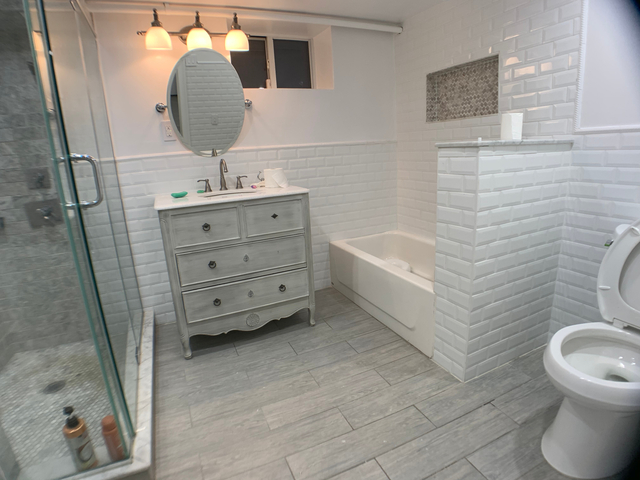 2 Bedrooms, Astoria Rental in NYC for $3,499 - Photo 2