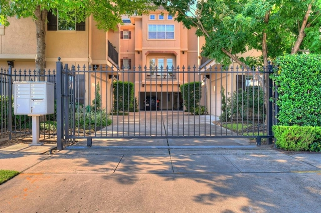 3 Bedrooms, Neartown - Montrose Rental in Houston for $2,550 - Photo 1