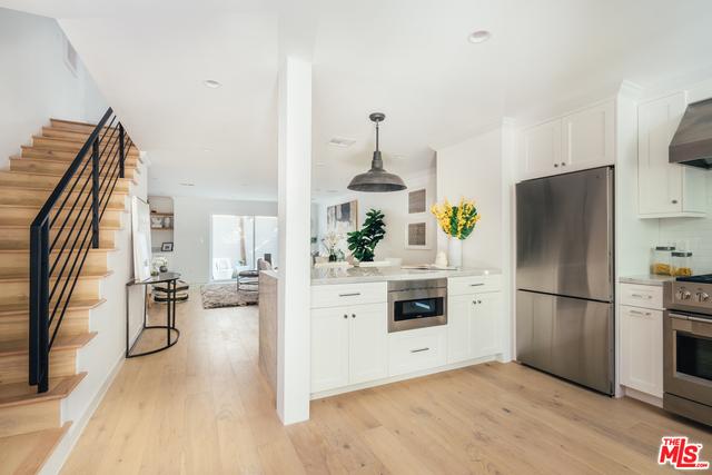 2 Bedrooms, Wilshire-Montana Rental in Los Angeles, CA for $6,850 - Photo 1