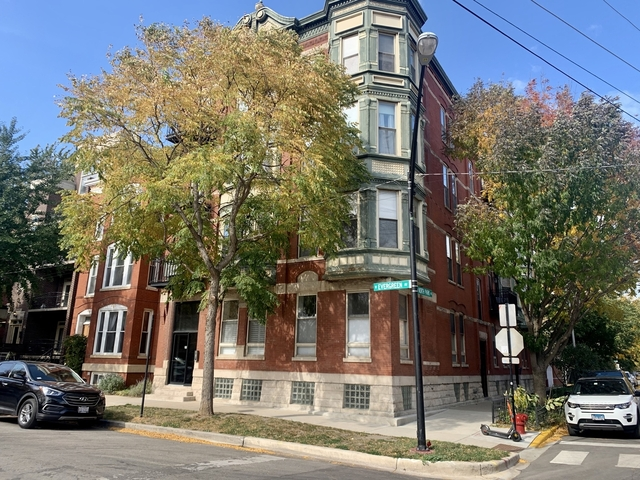 2 Bedrooms, Old Town Rental in Chicago, IL for $2,800 - Photo 1