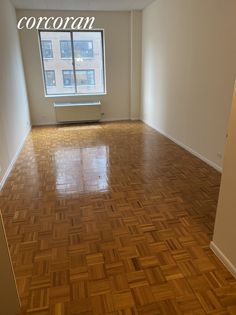 2 Bedrooms, Upper East Side Rental in NYC for $5,355 - Photo 2