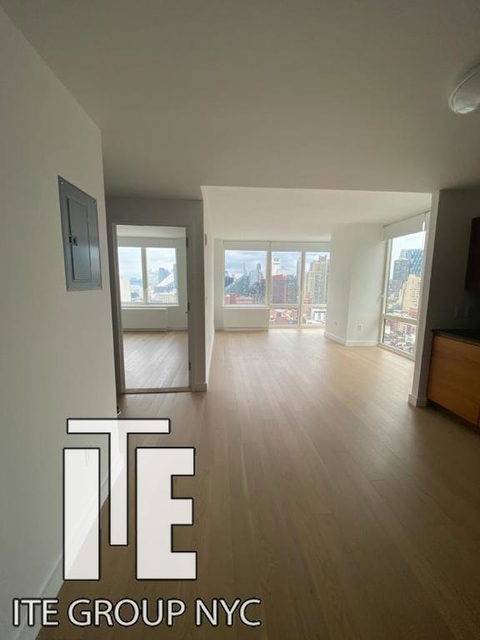 1 Bedroom, Hell's Kitchen Rental in NYC for $2,850 - Photo 2